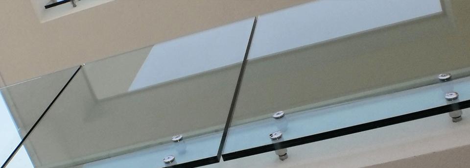Parapetti in vetro milano bergamo brescia covea vetri - Parapetti in vetro per scale ...